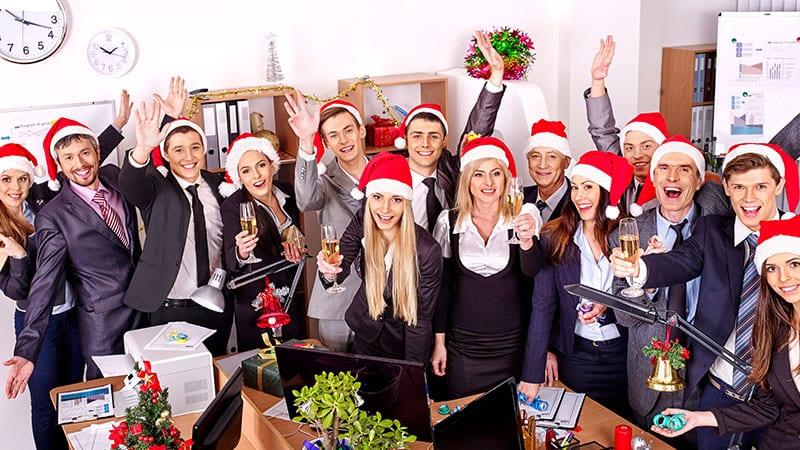 Was Kann Man Zur Weihnachtsfeier Anziehen.Benimmregeln Für Die Betriebliche Weihnachtsfeier So Umschiffst Du